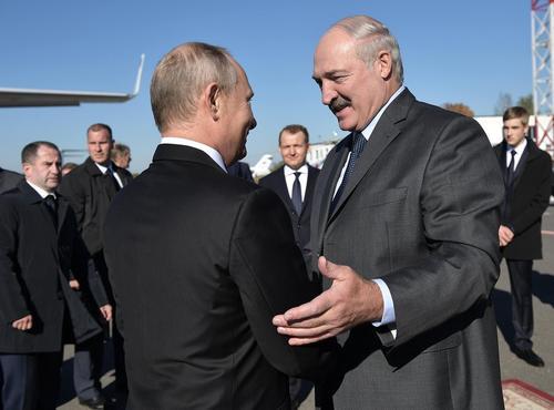 Лукашенко хочет переговорить с Путиным: «Уже угроза не только Беларуси»