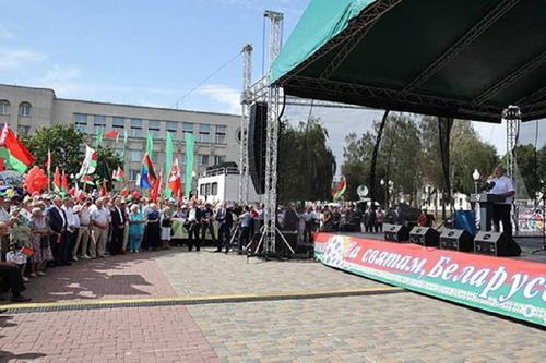 Лукашенко готов справиться с кризисом в Белоруссии без помощи  ОДКБ