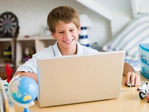 Ященко: дистанционное обучение открыло новые возможности для школ