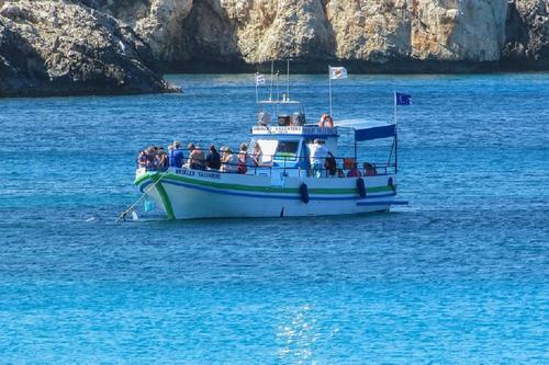 Власти Кипра уточнили, кто из россиян может приехать на остров
