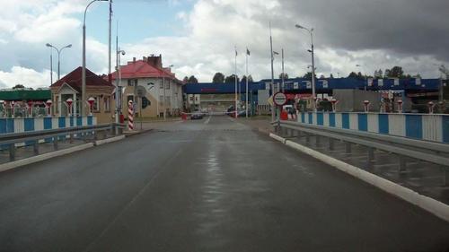 Таможня не дает добро. Продукты и гуманитарную помощь бастующим в Беларуси не пропускают в страну