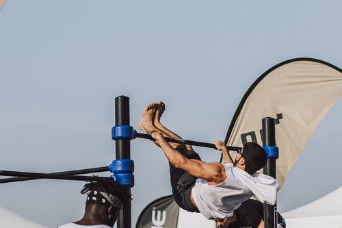 Фитнес-тренер сообщил, как правильно заниматься спортом со слабым сердцем
