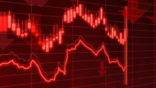 Экономист рассказал, в какой валюте хранить деньги в период падения рубля