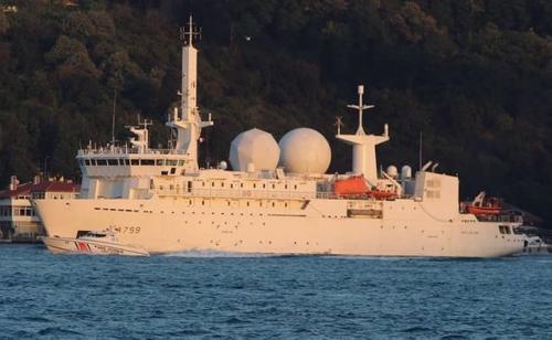 Французский корабль-разведчик нацелен на Россию и Турцию