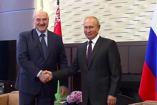 В Кремле поддержали идею изменения Конституции в Белоруссии