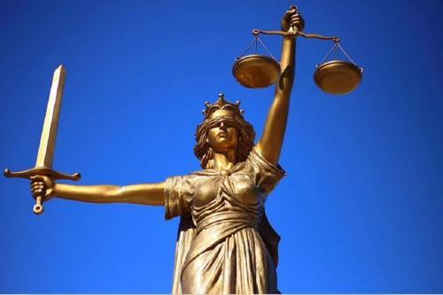 Ставропольскому судье дали условный срок и сохранили за ним все привилегии