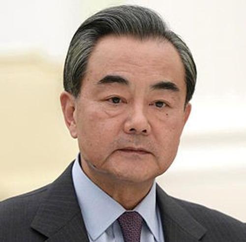 Глава МИД Китая Ван И заявил о «прочной как скала» дружбе с Россией