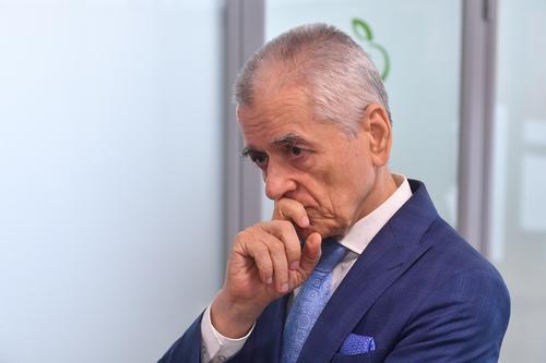 Геннадий Онищенко считает странным объявление цены на препарат от коронавируса