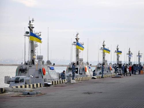Чем занимается на военно-морских учениях Украина, по сути, не имеющая военного флота
