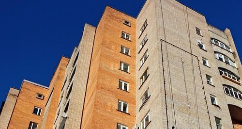 В Екатеринбурге двухлетний ребенок выжил после падения с девятого этажа