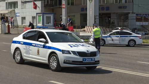 Названо имя водителя Infiniti, сбившего пешеходов на Остоженке в Москве. Рэпер Эллей
