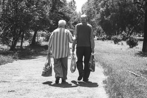 В ПФР опровергли информацию о том, что хранение пенсии на карте грозит приостановлением ее выплаты