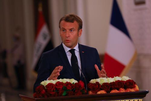 Макрон призвал Россию разъяснить ситуацию с возможным отравлением Навального
