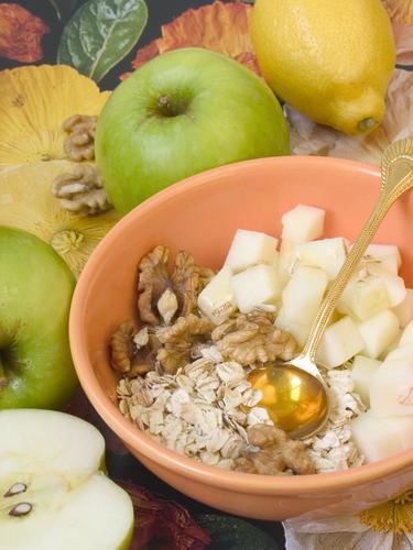 Врач-диетолог Инна Кононенко назвала вредные для здоровья продукты на завтрак, грозящие ожирением