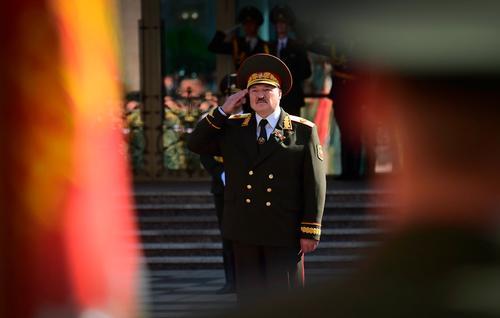 Беларусь получила нового Главковерха, а войска ему присягнули