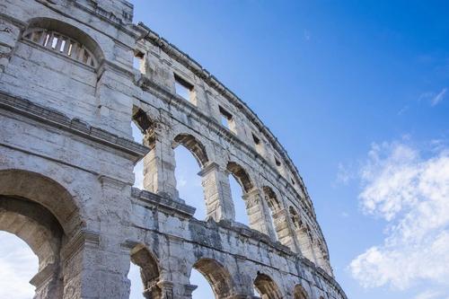 В Италии задержан турист, который нацарапал инициалы на стенах Колизея