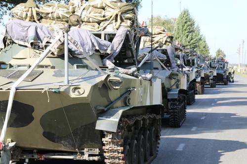 Парашютисты Новороссийского гвардейского горного соединения ВДВ подготовились к массовому десантированию