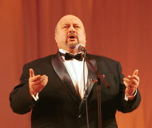 На 75-м году жизни умер оперный певец Вячеслав Войнаровский