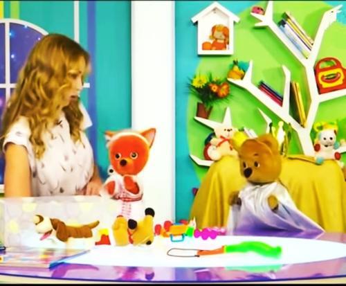 В белорусском аналоге «Спокойной ночи, малыши!» место упавшего с трона мишки Топы заняла лисичка Яна