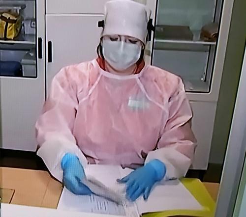 Москвичей старше 65 лет попросили не выходить из дома с 28 сентября из-за коронавируса COVID-19