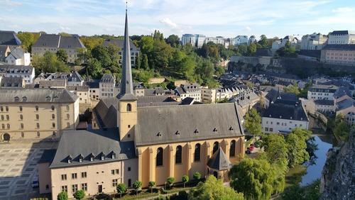Институт Роберта Коха включил Чехию, Люксембург и часть Австрии в список зон риска из-за COVID-19
