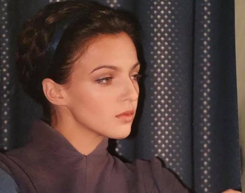 Актриса, мама семерых детей Ирина Леонова в сети попросила помощи. Нужна няня