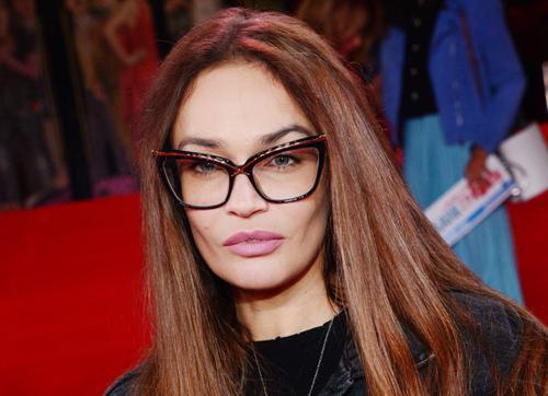 Алена Водонаева показала распухшее лицо после удаления зубов