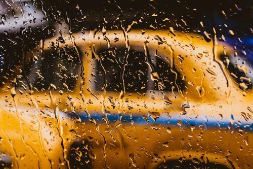 В Москве таксист распылил баллончик в лицо пассажирам, которые были с ребенком