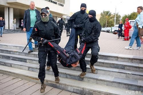 «Кибер-партизаны» Беларуси взломали сайты гостелеканалов и показали в эфире «правду»