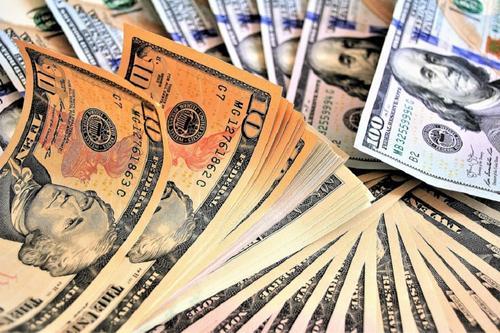 Экономист Павел Грибов объяснил причины сокращения вывода финансов из России