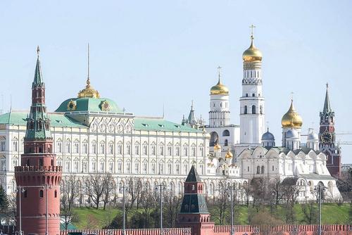 Минфин сократит расходы на Путина, но добавит на его администрацию