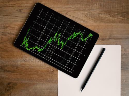 Экономист Зайченко: К четвёртому кварталу рубль восстановит свои позиции, а курс доллара ослабнет