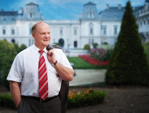 Зюганов оценил идею ввести ежемесячный налог на бездетность: «Обложили. Обдирают»