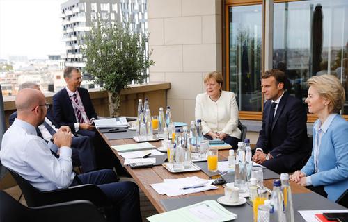 Меркель предложила Лондону продолжение переговоров по Brexit