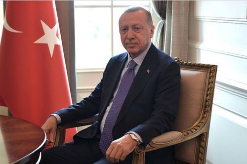 Эрдоган уверен: Россия, Франция и США поставляют оружие Армении