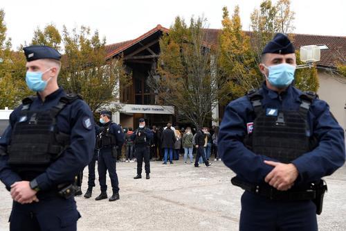 Убийство во Франции. Чеченские радикалы становятся настоящей «головной болью» для Эммануэля Макрона