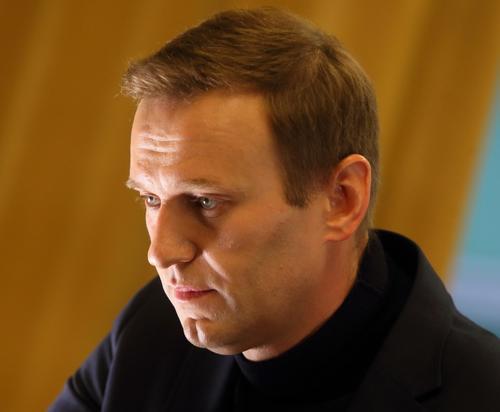 В сеть попало видео, как в Германии охраняют Алексея Навального