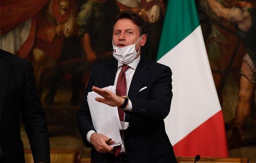 В Италии начали вводить комендантский час