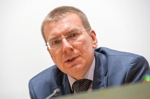 Глава МИД Латвии Эдгарс Ринкевич поддержал слова папы Франциска о гей-браках