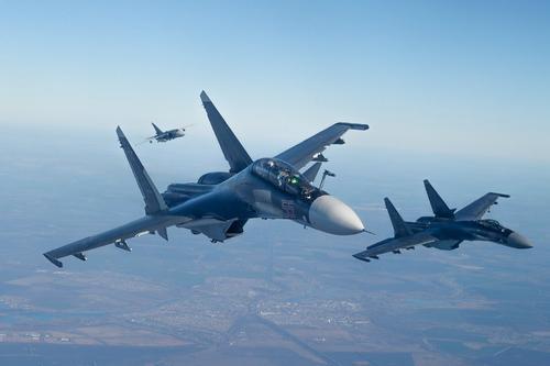 Бомбардировщики ВКС РФ уничтожили до ста боевиков в ходе налета на тренировочный лагерь в Идлибе