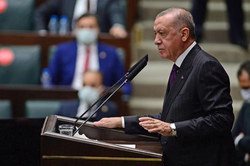Эрдоган пригрозил новой военной операцией в Сирии