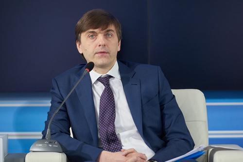 Кравцов возглавил правительственную комиссию по русскому языку