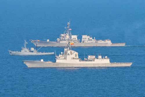 Avia.pro: в Чёрное море вошли шесть кораблей НАТО, изначально двигавшихся в сторону Крыма