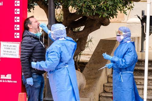«Санта-Клаус не приедет». В Испании карантин хотят продлить до мая 2021 года, что поставит под удар все грядущие праздники