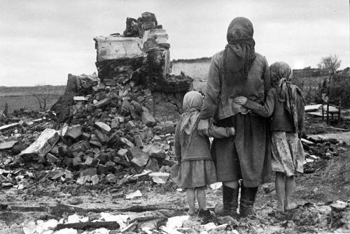 Поисковик Цунаева рассказала о раскопках массового захоронения детей времен войны под Псковом