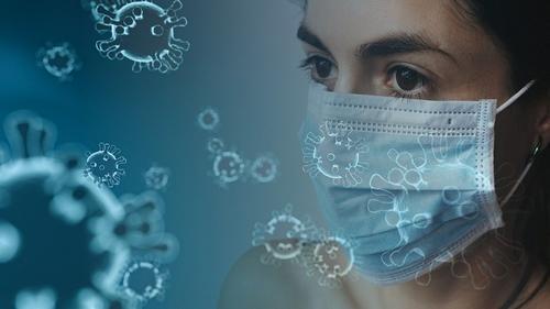Роспотребнадзор предупредил о риске появления нового штамма коронавируса в России