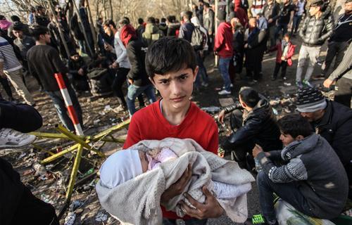 В Германии уволили священника за критику спасения беженцев