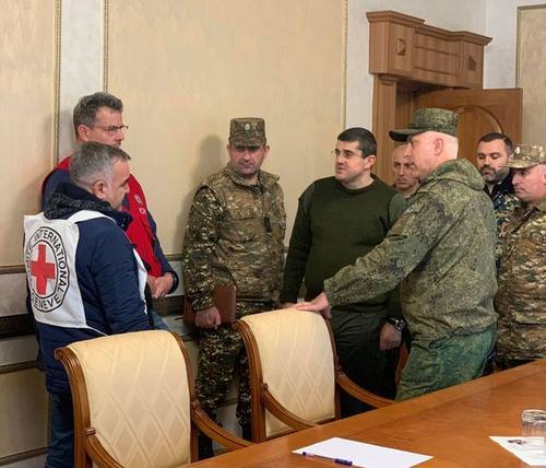 В Нагорном Карабахе начался обмен телами погибших военнослужащих