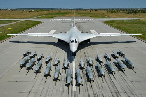 «Белый лебедь» Ту-160 и его «выводок»