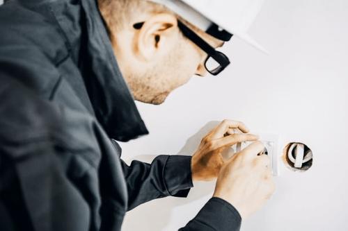 Обязательная проверка электропроводки в жилых помещениях: как сделать надежно и безопасно